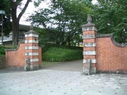 正門[赤門]