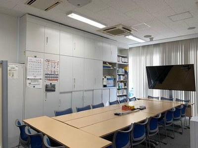東京オフィス モニター設置写真1