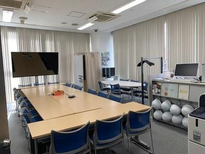 東京オフィス モニター設置写真2
