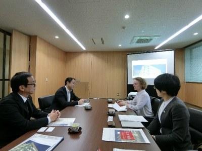 在大阪英国総領事が本学を訪問