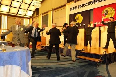 31 応援団とOB.JPG